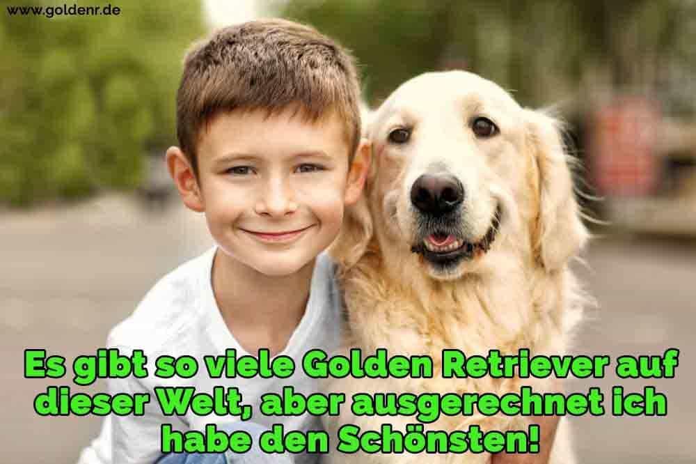 Ein Golden Retriever und sein Freund lächelnd